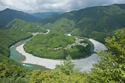 日本のホースシューベンド | 絶景事典