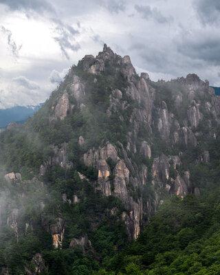山の頂き   絶景事典