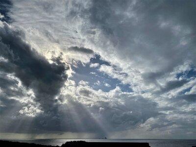 風が変わる前の空 | 絶景事典