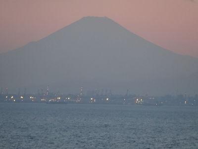 『夕暮れ時の富士山』/木更津金田IC付近 | 絶景事典