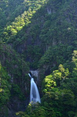 秘境 不動七重の滝 | 絶景事典