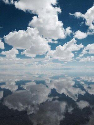 天空の鏡面世界「リフレクション」の絶景5選のメイン画像