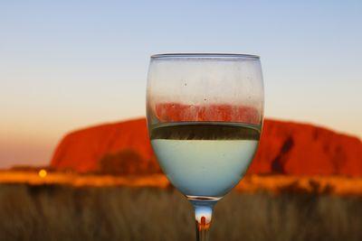 サンセットウルルとワイン | 絶景事典
