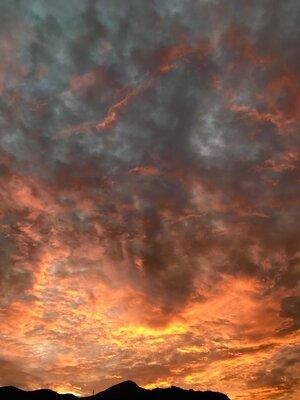 雄大な夕焼け(火事にみえます)   絶景事典