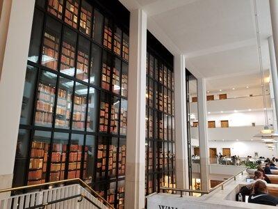 大英図書館   絶景事典