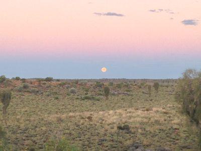 Moonrise・月の出 | 絶景事典