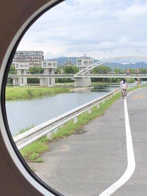 岡山常軌鉄道の車窓から、岡山城 | 絶景事典