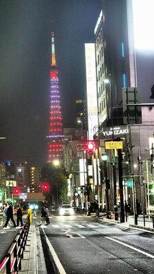 六本木からの東京タワー | 絶景事典