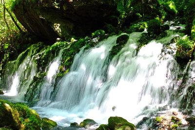 元滝伏流水に再び | 絶景事典