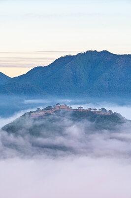 天空の城 | 絶景事典