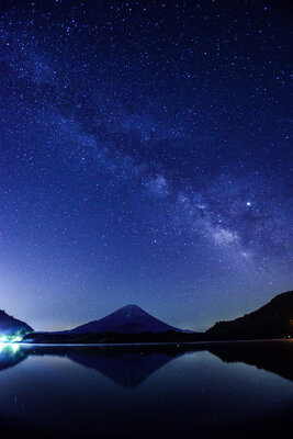 精進湖の天の川 | 絶景事典