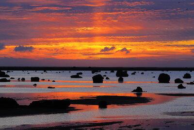 佐和田の浜の夕焼け | 絶景事典