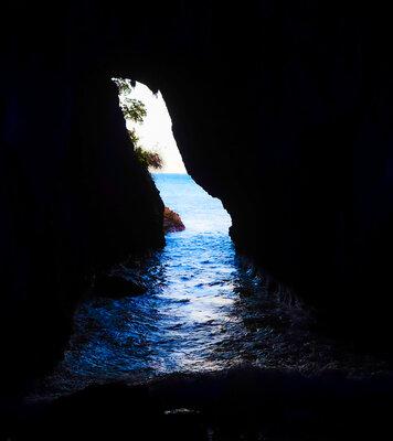 能登半島 青の洞窟 | 絶景事典