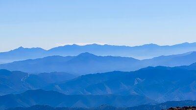 美しき稜線   絶景事典