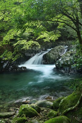滑沢渓谷 竜姿の滝   絶景事典