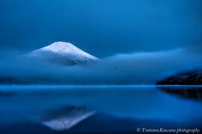 湖畔の夜明け前 | 絶景事典