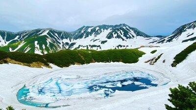 北アルプス 立山連峰 ミクリガ池 | 絶景事典