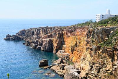 足がすくんでしまう!断崖絶壁の絶景のメイン画像