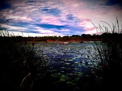 湖面にポツリと | 絶景事典