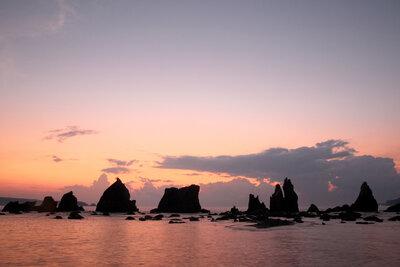 橋杭岩の夜明け | 絶景事典