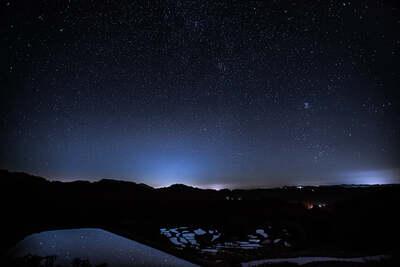 星峠の棚田と星空 | 絶景事典