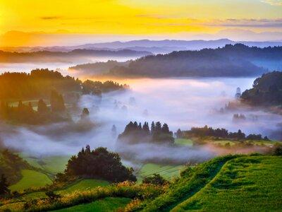 雲海に朝日の当たる頃 | 絶景事典