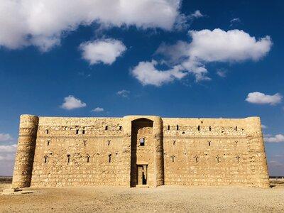 砂漠の城 | 絶景事典