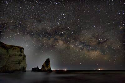 大波月海岸と天の川   絶景事典
