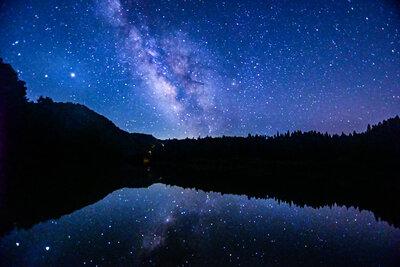 天の川のリフレクション | 絶景事典