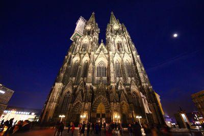 威風堂々 ケルン大聖堂の夜景   絶景事典