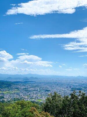 八栗寺からの眺望〜高松市街地と空のコラボレーション〜 | 絶景事典