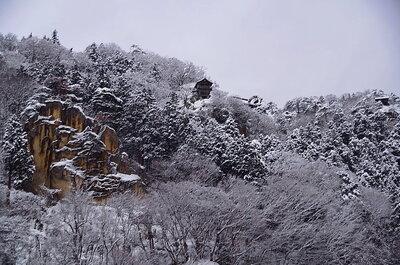 雪の山寺 | 絶景事典